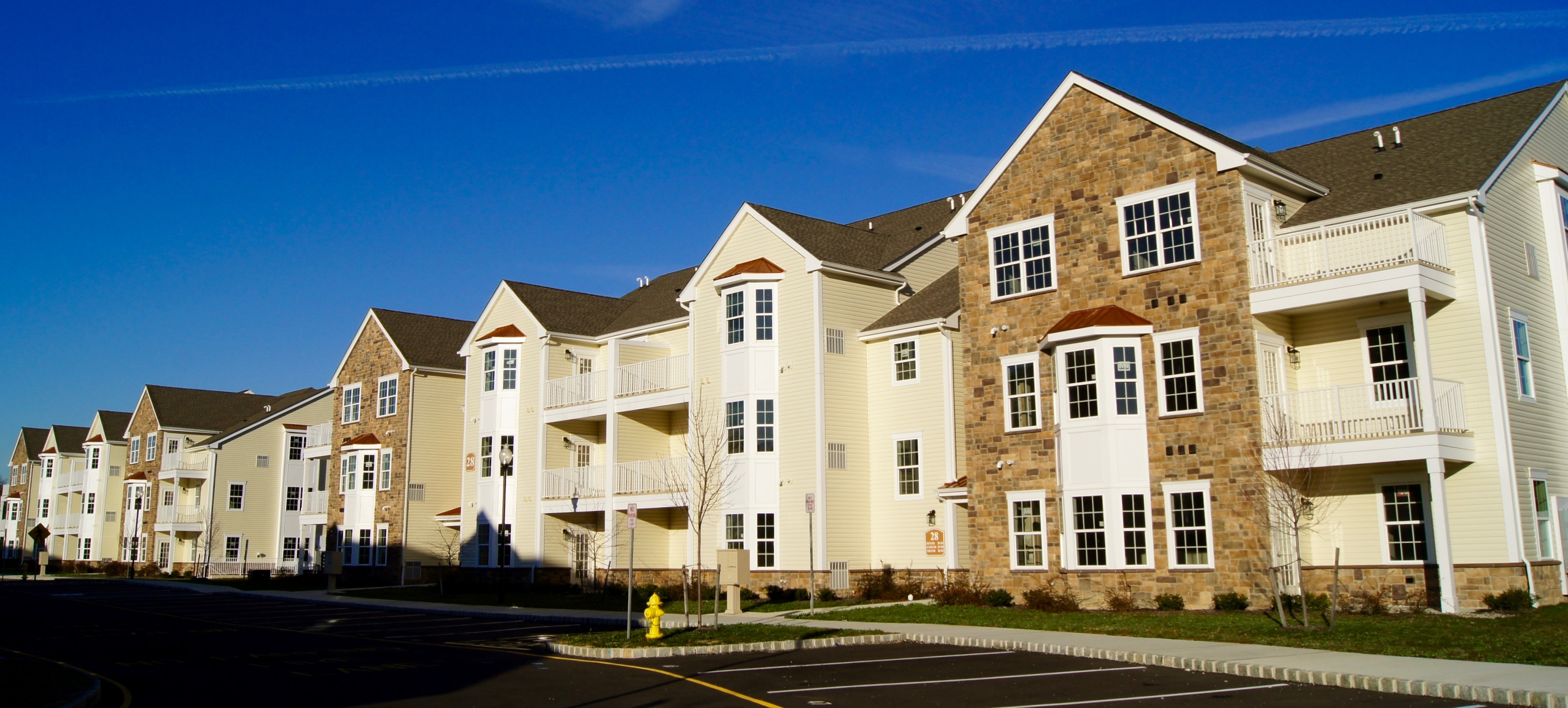 Pondview at Weatherby Apartments